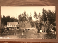 Lake Cowichan: Lakeside Hotel