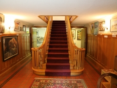 Pendray House: Foyer